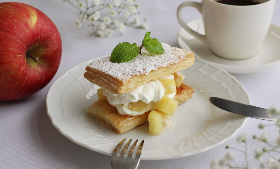 うちカフェレシピ「りんごのヨーグルトクリームパイ」