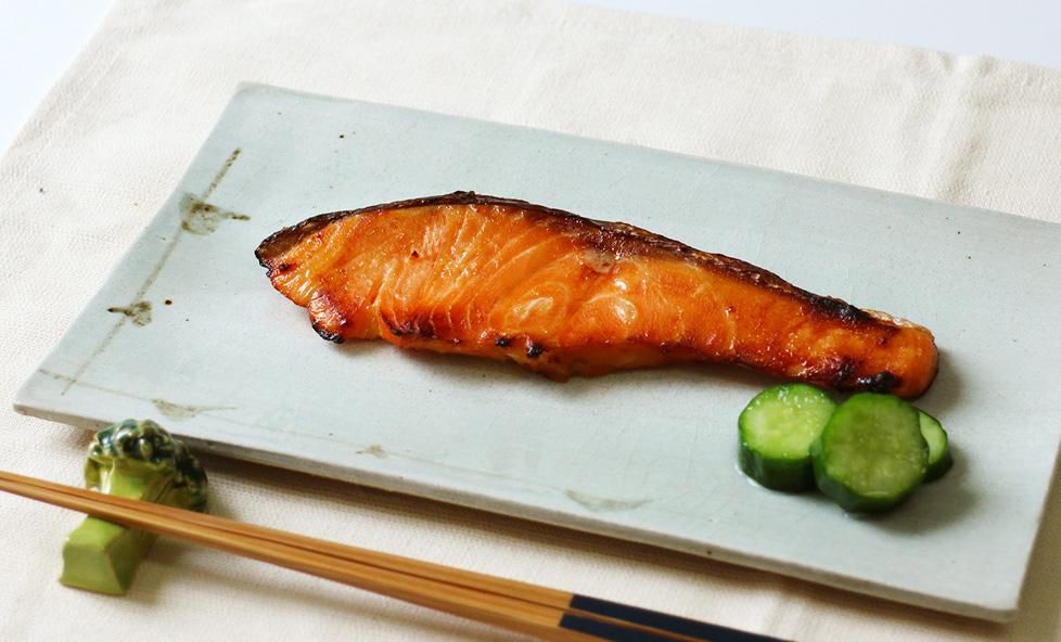 漬けて焼くだけ!白みそのやさしい甘みが香る「西京焼き」をおうちで簡単に。